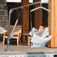 Spectrum Aquatics Elkhorn Manual Powered Pool Lift